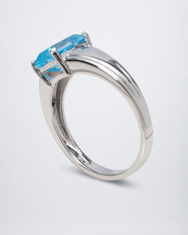 blautopas-ring-in-swiss-blue
