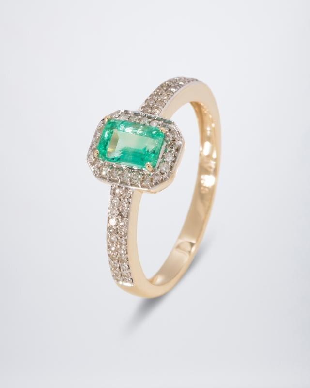 Geliebte Ring aus 585er Gold mit 1x Smaragd, 64x Diamant, 0,85ct @PM_98