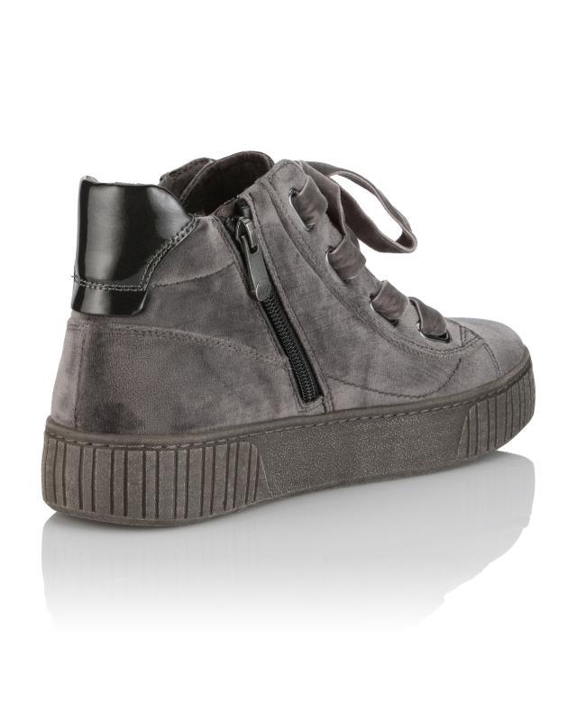sneaker-velvet