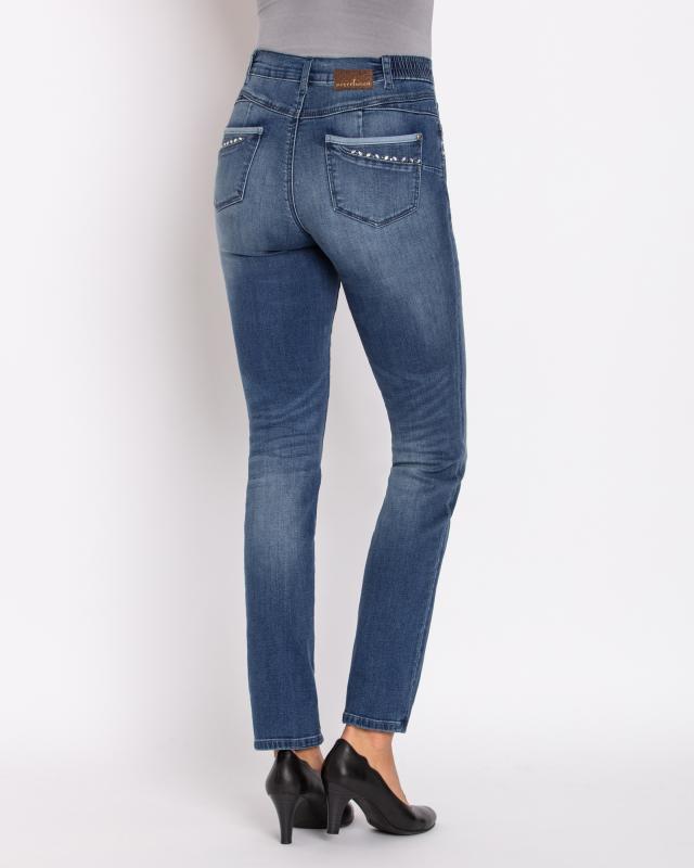jeans-mit-push-up-effekt