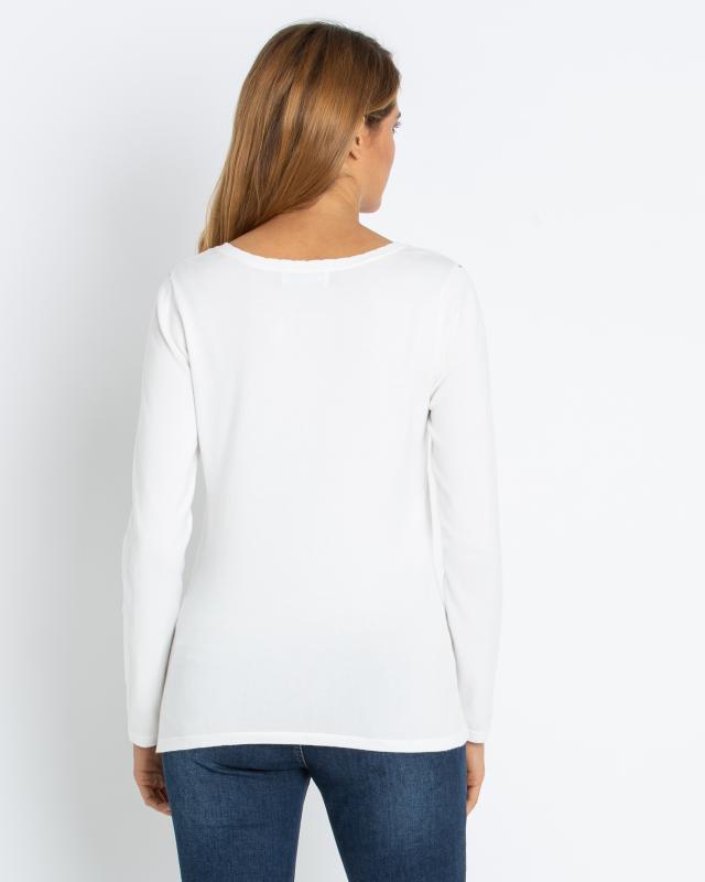 pullover-mit-blumenstickerei
