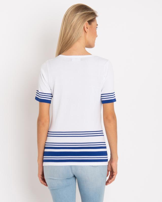 kurzarm-pullover-im-maritim-design