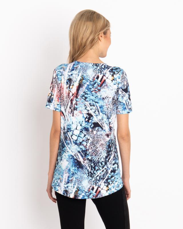 shirt-mit-modischem-grafik-druck