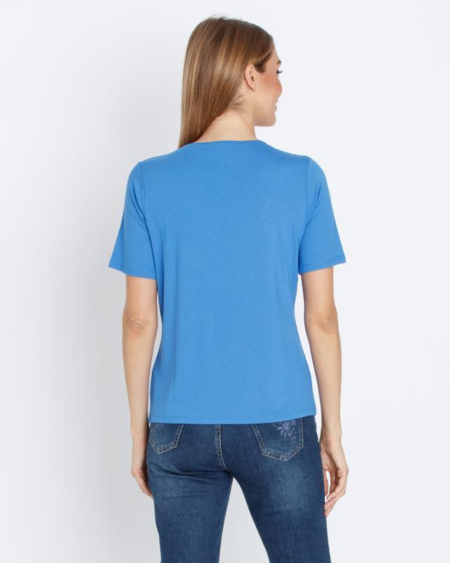 shirt-mit-edler-ausschnittdekoration