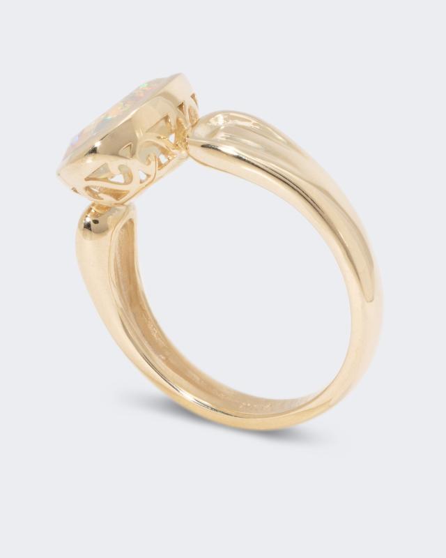 ring-mit-kristallopal