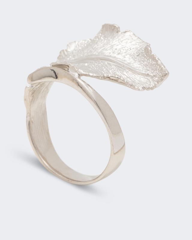 ring-im-blatt-design