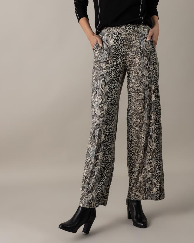 Hose aus bedrucktem Suede