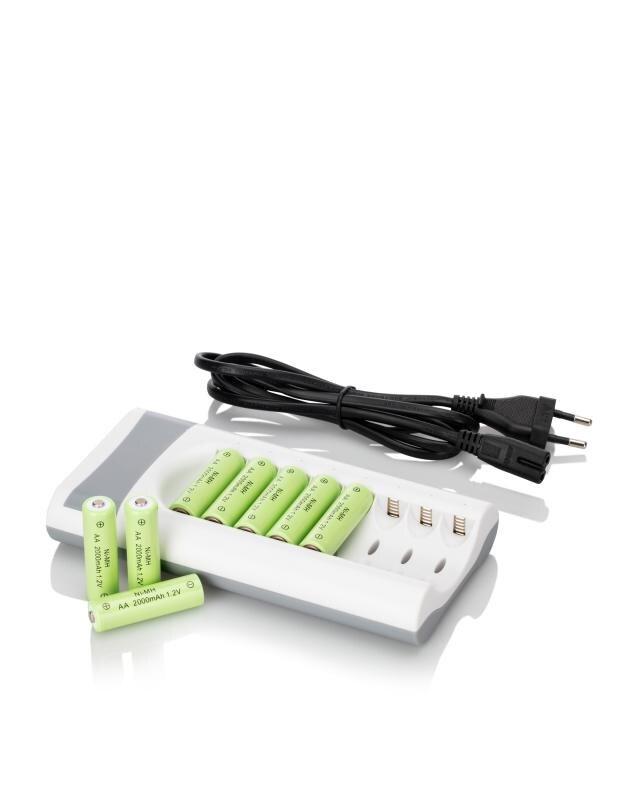 Ladegerät + 8 aufladbare AA Batterien