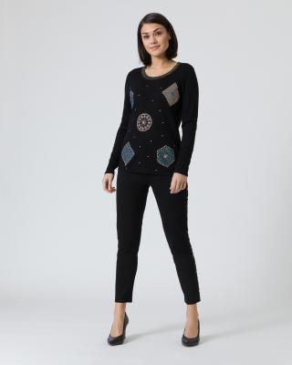 Pullover mit Verzierung