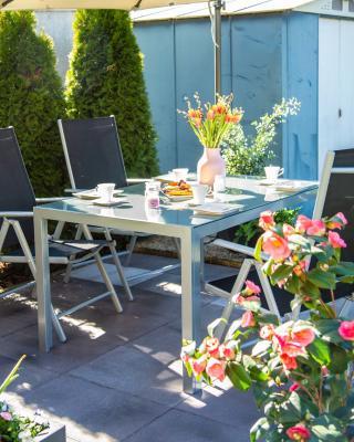 Gartentisch mit Glasplatte, groß