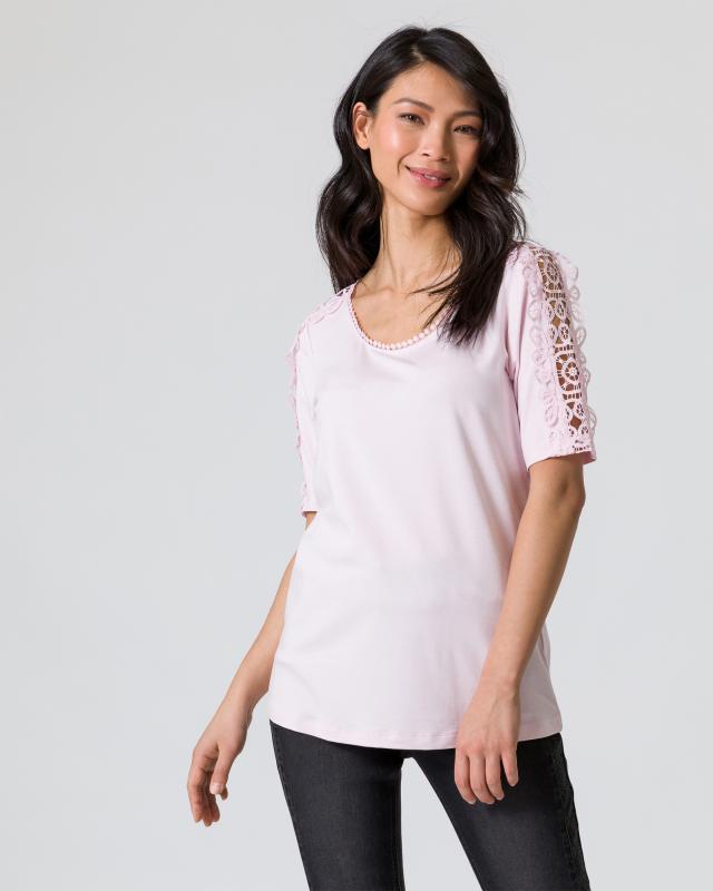 Shirt mit Spitze am Ärmel
