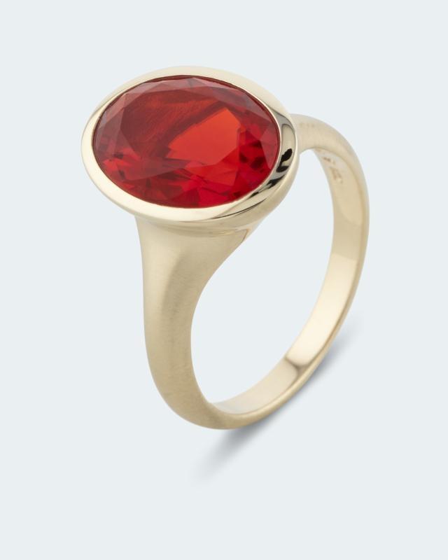 Ring mit Cherry-Opal
