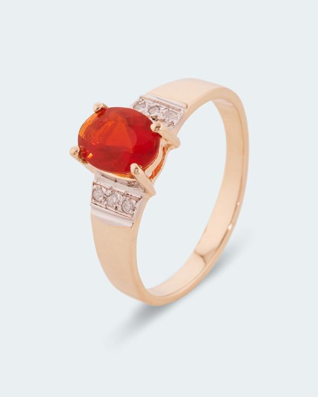 Ring mit Feueropal & Brillant