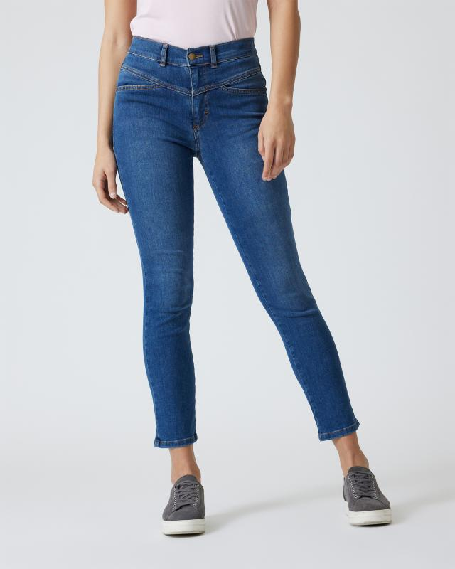 Jeans mit eckiger Passe