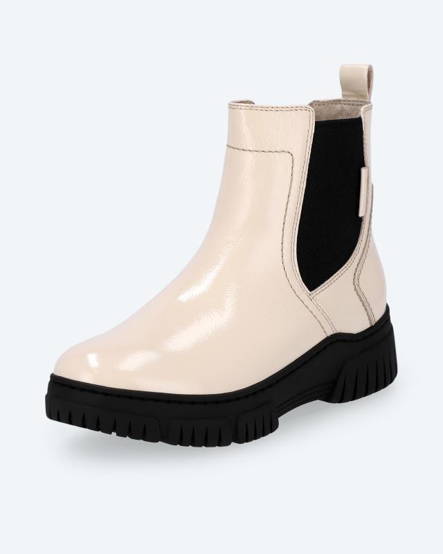 Boot im Chelsea-Look