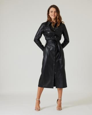 Kleid aus Lederimitat mit Gürtel