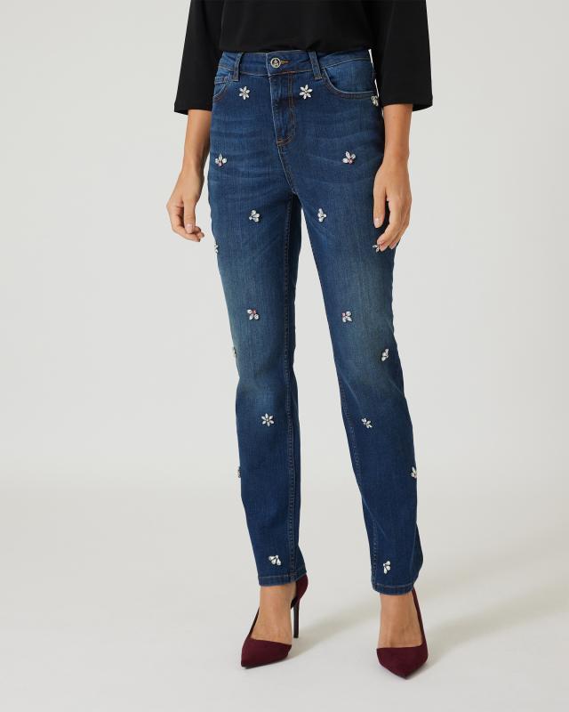 Jeans mit Zierblüten